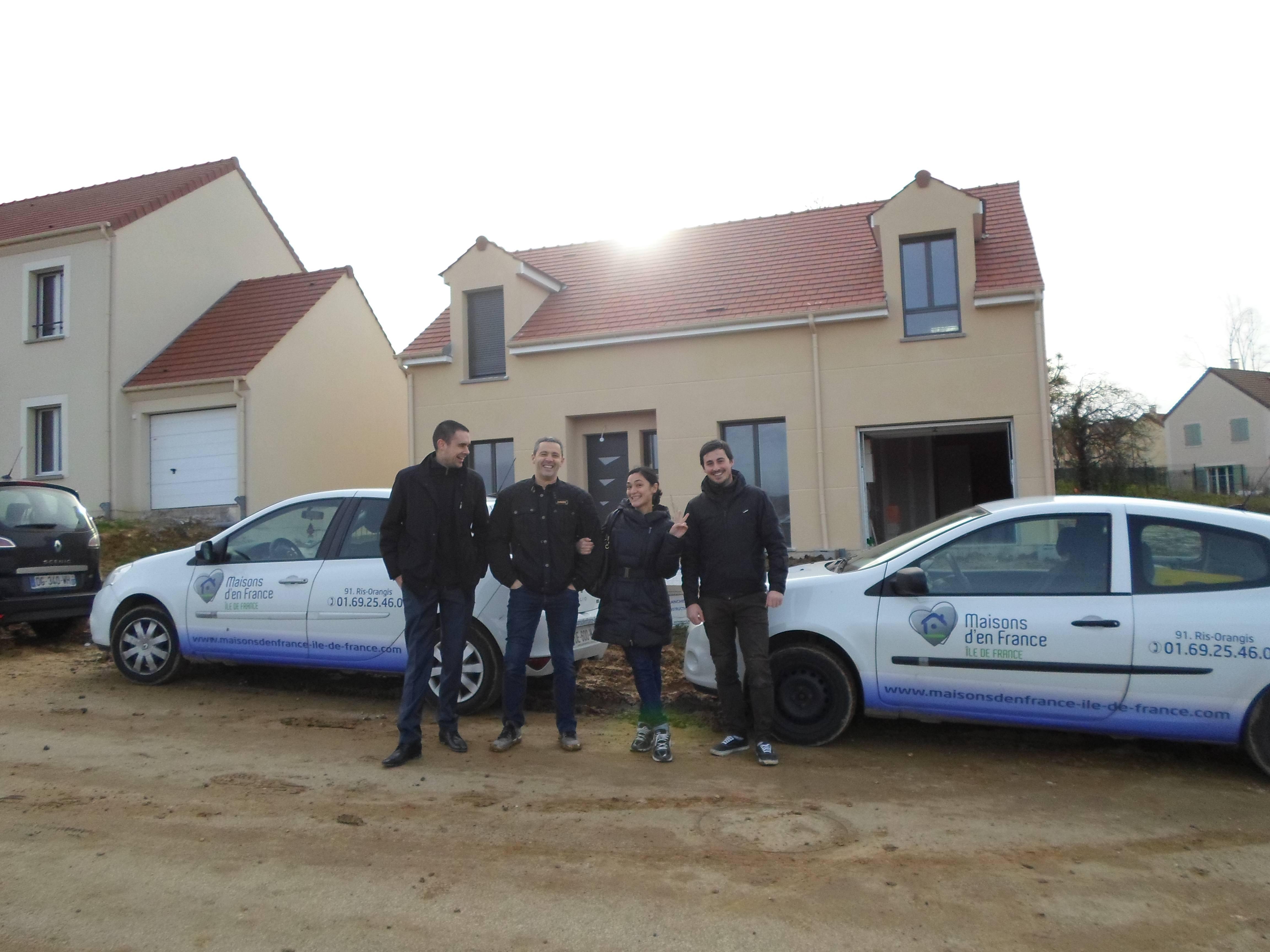 Livraison d 39 une maison morainvilliers 78 maisons d for Village domexpo 91