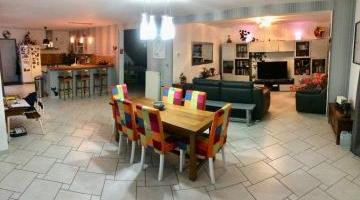 Vente maison 6 p. 216 m²