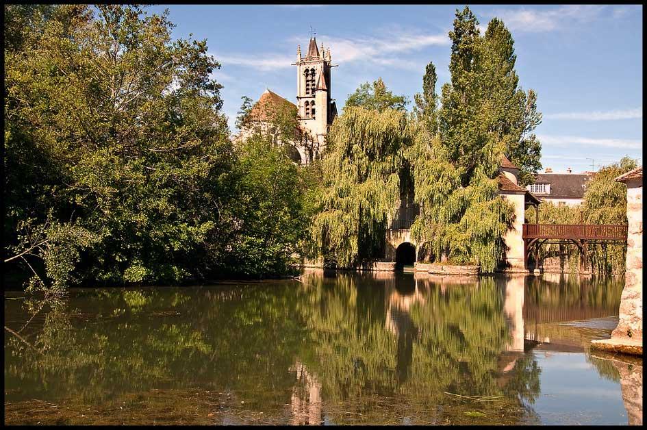 La charmante ville de Moret-sur-Loing