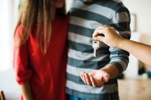 Primo accédant : les questions essentielles à se poser avant d'acheter pour la première fois