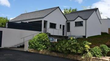 Grande maison avec sous-sol