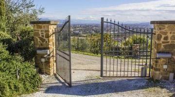 Un portail pour votre future maison neuve : pensez à tous les détails !
