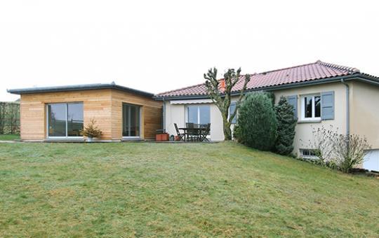 Construction d'une extension et réagencement d'une maison à Prunet (15)