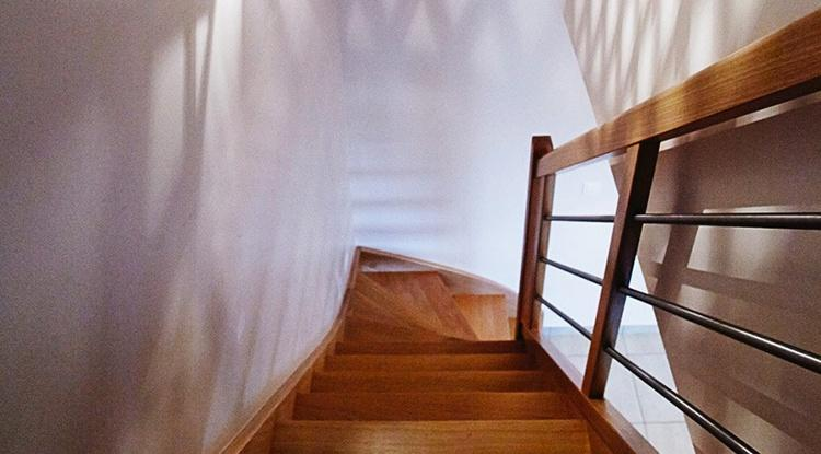 Atypique traditionelle à Malville - escalier