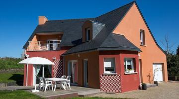 Maison haute en couleurs à Chateaulin