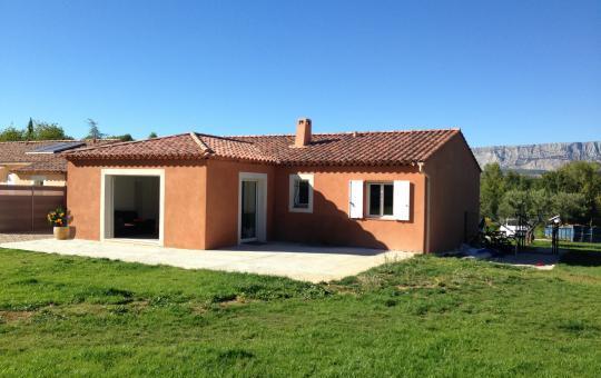 Agrandissement et aménagement d'une nouvelle pièce à vivre à Saint-Zacharie (83)